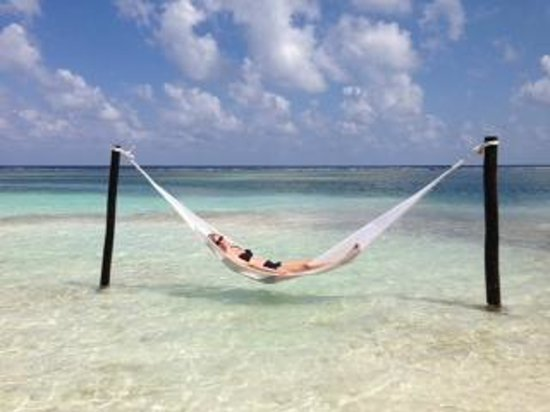 Yaya Beach Bar and Restaurant : Hammock at Yaya Beach
