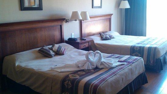 Howard Johnson Hotel & Marinas San Pedro Resort: Suite