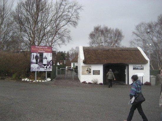 Kerry Bog Village Museum : Village entrance
