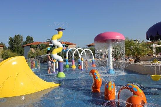 Cronwell Platamon Resort: Waterpark