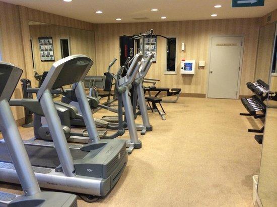 Bahia Resort Hotel: Fitness center treadmills, elliptical