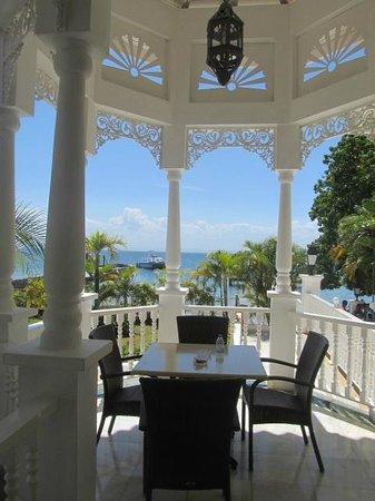 Luxury Bahia Principe Cayo Levantado Don Pablo Collection: mainland waiting for ferry to island