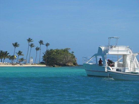 Luxury Bahia Principe Cayo Levantado Don Pablo Collection: Our 1st view of Cayo Levantado from the ferry
