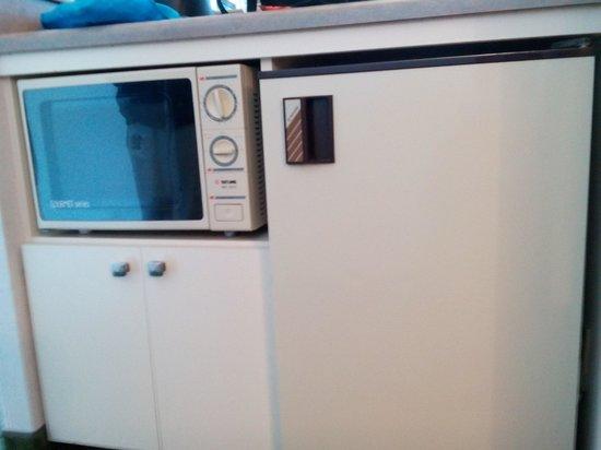 BEST WESTERN Agate Beach Inn: the (dated) appliances