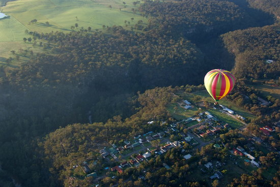 Balloon Aloft Hawkesbury: Drifting over the towns and landscape of the Hawkesbury