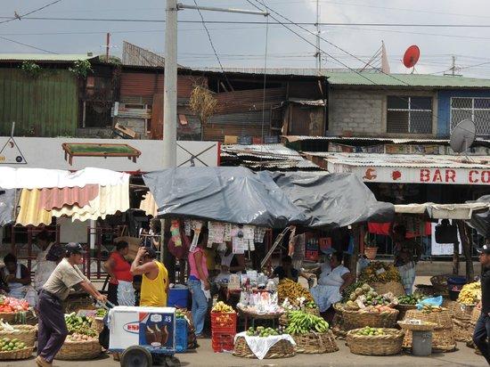 Mercado Roberto Huembes