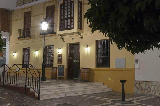 El Caserio De Las Monjas