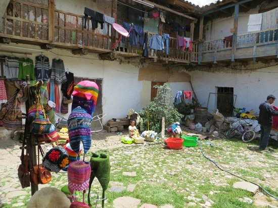 San Blas: loja e pequeno artesanato caseiro
