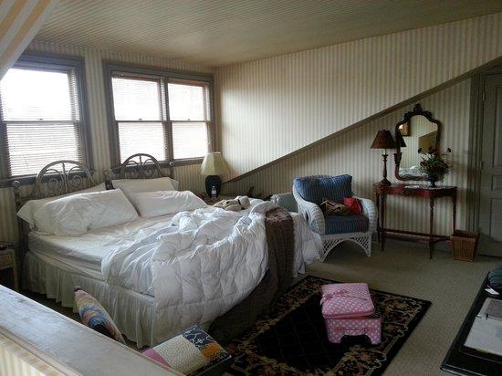 Morning Glory Inn : The Attic Suite!