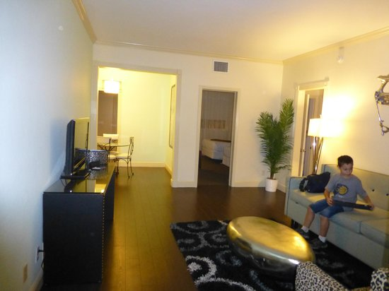 Suites of Dorchester: entrada suite