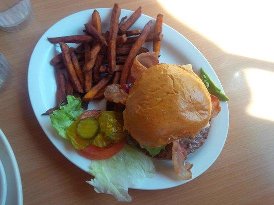 J C's Red Kettle : Bacon Avocado Swiss Burger