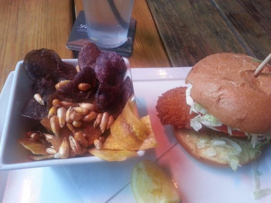 The Cottage Restaurant: Grouper sandwich was breaded. Atmosphere was great. Service was pleasant.