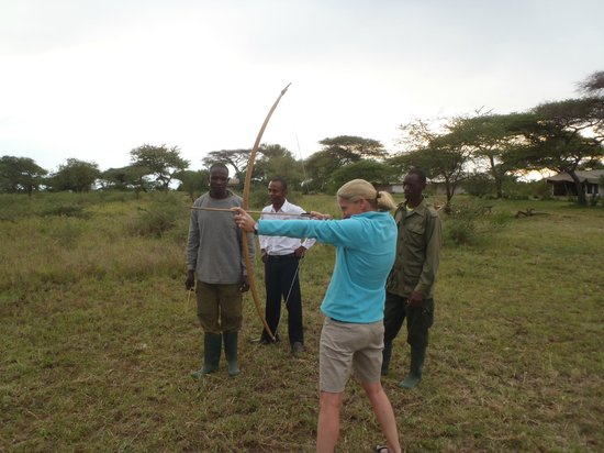 Mapito Tented Camp Serengeti: Bow and arrow training