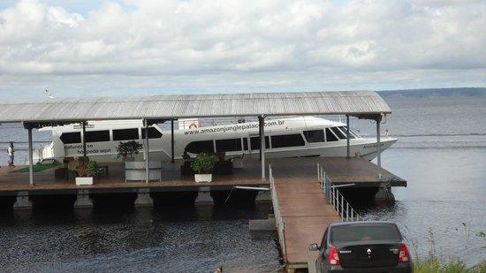 Amazon Jungle Palace: O barco
