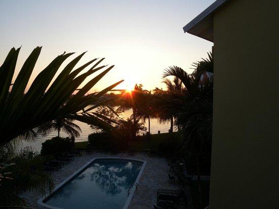 Pelican Bay at Lucaya: Sunset at Pelican Bay