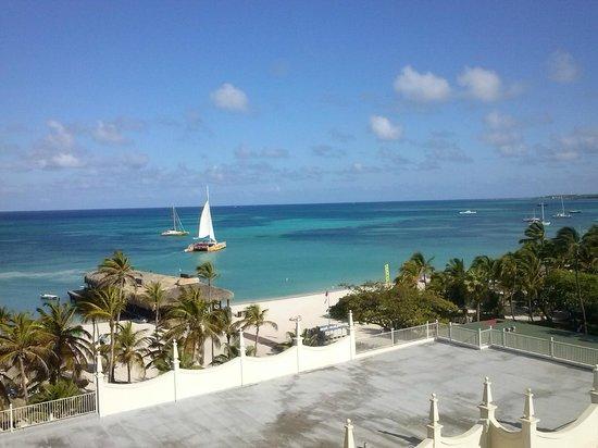 Hotel Riu Palace Aruba: Quarto com vista para praia