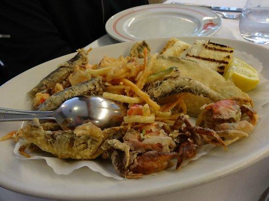 Trattoria da Romano: Fried seafood platter