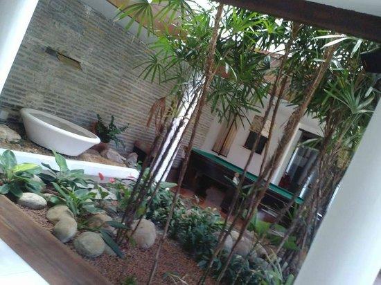 Azeda Boutique Hotel: Jardim da recepção