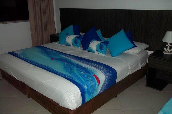 Hotel Blue Tone: cama 3 pl + 1 de 1 pl, excelente vista al mar. 8vo piso