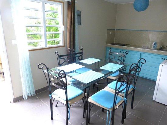 Les Colonnades : WHITNEY pouvant accueillir 4 personnes 600 € la semaine (7 jours - 6 nuits) - Petit déj en optio