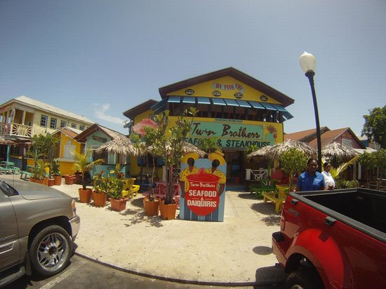 Twin Brothers Restaurant : Nice place !!