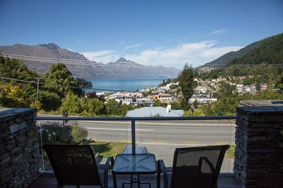 Queenstown House Boutique Bed & Breakfast & Apartments: View from our room