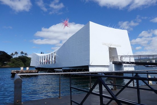 USS Arizona Memorial/World War II Valor in the Pacific National Monument: The Arizona Memorial