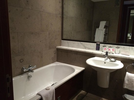 the g Hotel & Spa Galway : Awesome bathroom