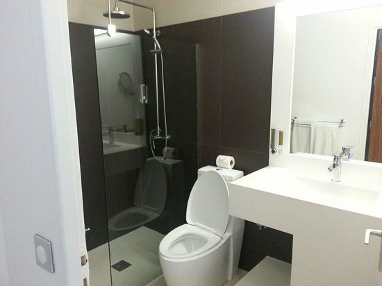 Mercure Saint-Martin Marina & Spa: Bathroom