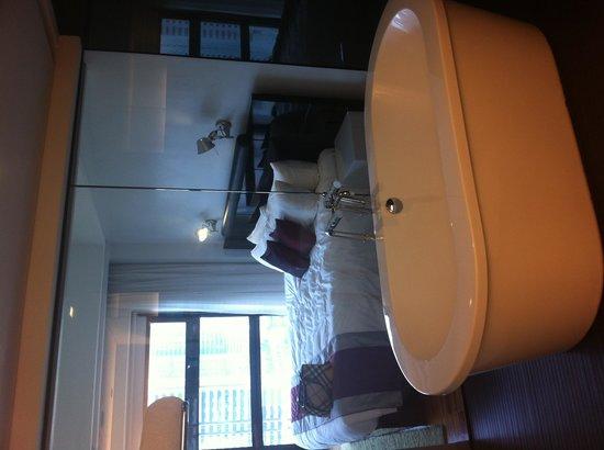 Hotel Maya Kuala Lumpur : Bathroom