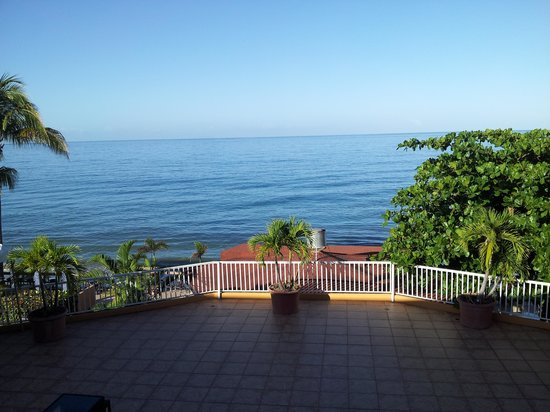 Villa Cofresi Hotel: picture taken from my room balcony