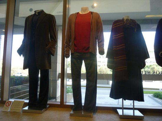 Warner Bros. Studio Tour Hollywood : Some Harry Potter outfits in the Studio Store area