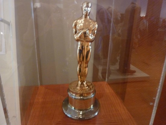Warner Bros. Studio Tour Hollywood: Oscar statuette for Best Documentary Short