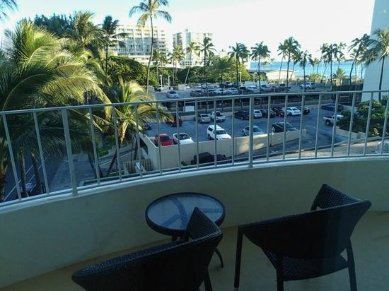 Lotus Honolulu at Diamond Head : View from 521 Diamond Head View Premium Room