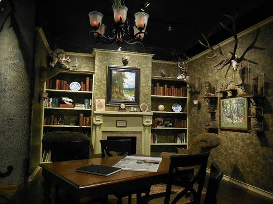 Douglas County Museum of History & Natural History : The home Library