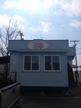 Gabby's Burgers and Fries: Yes.  It is about the size of two walk-in closets put together.