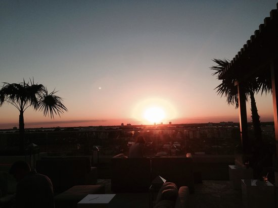 Grand Beach Hotel Surfside : Sunset on the roof top