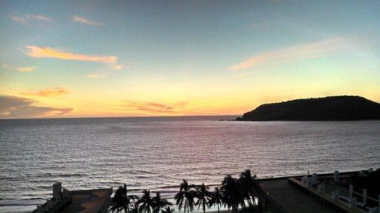 El Cid Castilla Beach Hotel: View to the islands