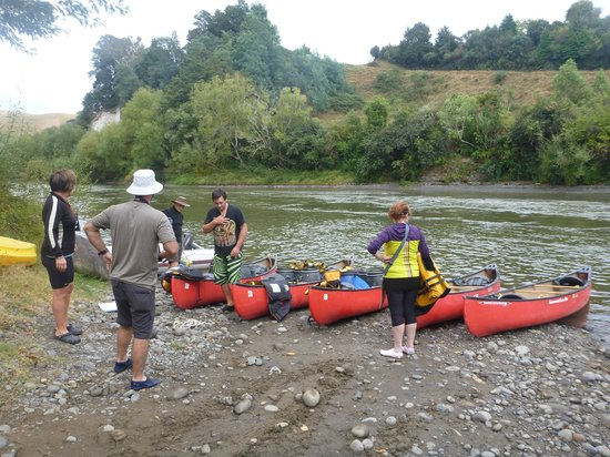 Taumarunui Canoe Hire and Jet Boat Tours : Start at Taumarunui Canoe Hire