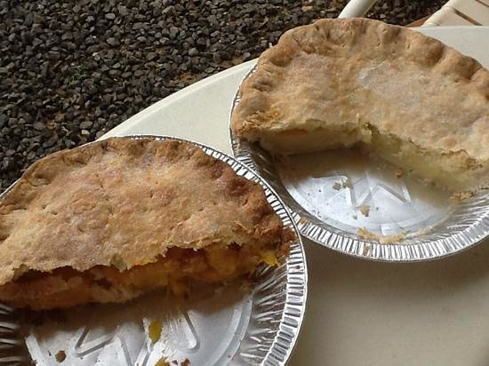 The Right Slice : Mango Lilikoi and Island Lemon mini pies