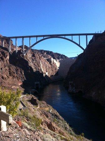 Dean Outdooor Adventures : O'callohan bridge from black canyon