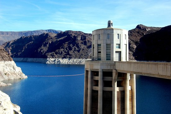 Dean Outdooor Adventures : Intake tower on the Nevada side