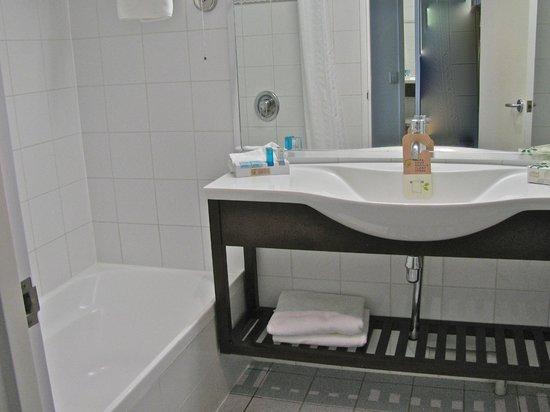 Novotel Rotorua Lakeside : Bathroom