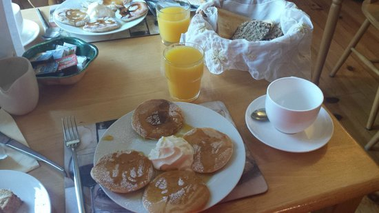 Watersedge Kenmare : A great breakfast to start the day