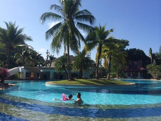 Maritime Park & Spa Resort: The pool