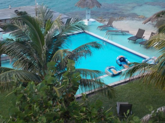 Blue Angel Resort: Pool