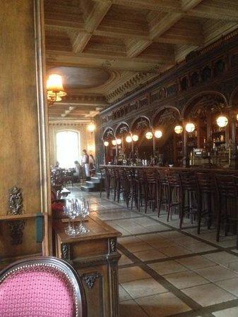 Café Pushkin : mose en scene litteraire