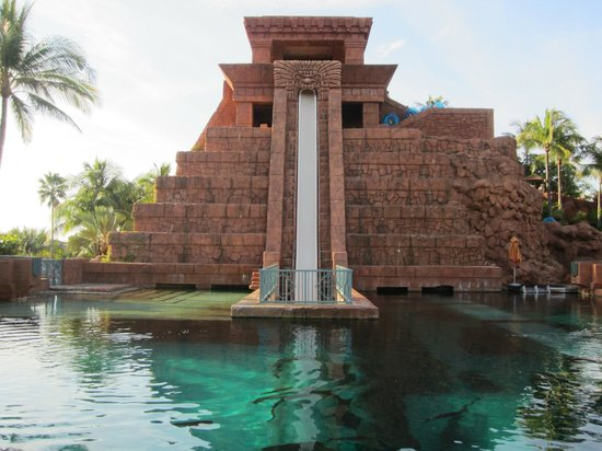 Atlantis - Harborside Resort : this slide is super scary but not becuase of sharks-big drop!