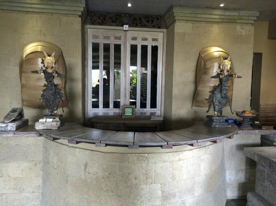 Wapa di Ume Resort and Spa : Classy reception desk