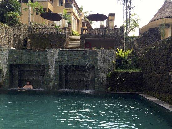 Wapa di Ume Resort and Spa: Two-level pool